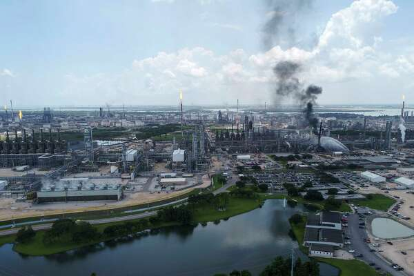 Explosion Fire At Exxon Mobil Baytown Plant Injures 37 Houstonchronicle Com