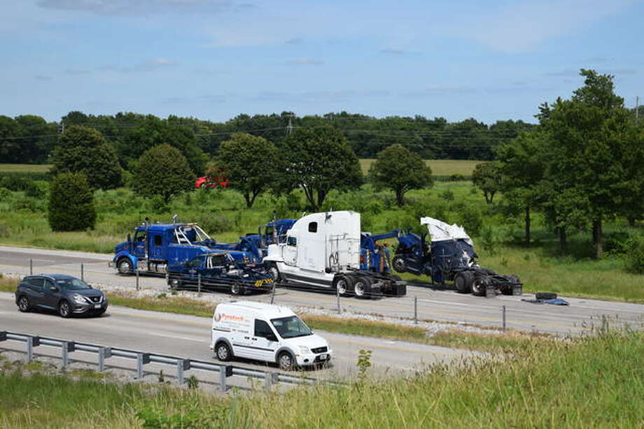 Major crash stops northbound traffic on I-55 at the Rt. 143 exit near Edwardsville. Multiple semi-trucks involved, clean up began mid-afternoon on Wednesday. Photo: Tyler Pletsch | Hearst Illinois