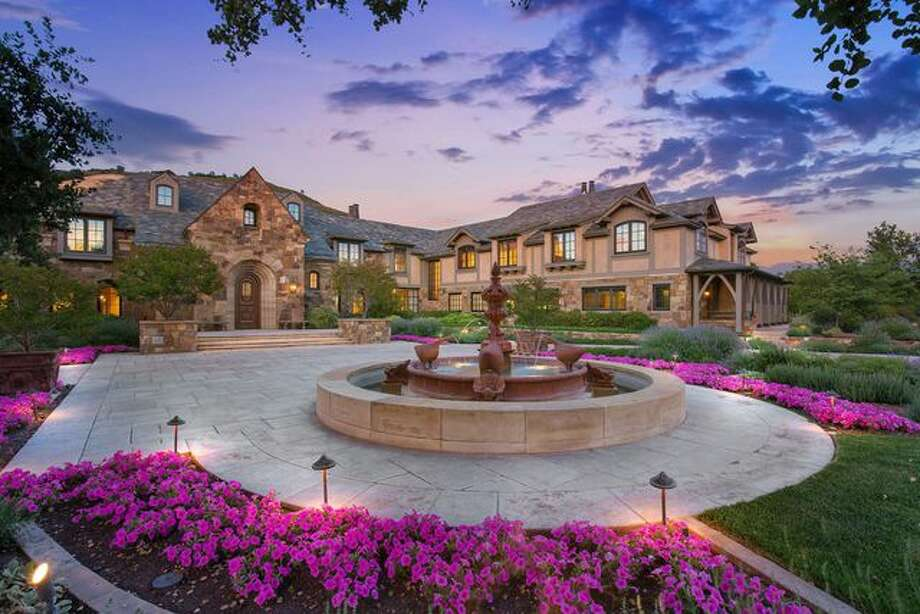 A mansion in Alam designed by PeopleSoft co-founder Dave Duffield and his wife, Cheryl, is on the market for $28.5 million. Photo: Open Homes Photography