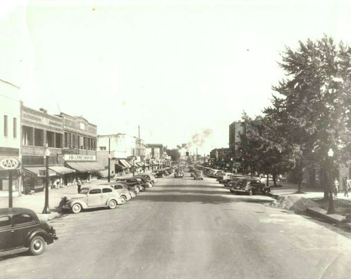 Main Street circa 1938. Main Street had everything. Grocery stores. Clothing stores. Hardware stores. Two movie theaters. Restaurants. A bakery. Anchored on one end by The Dow Chemical Co. and on the other end by Revere Park and beautiful homes. Main Street had everything! (Photo provided)