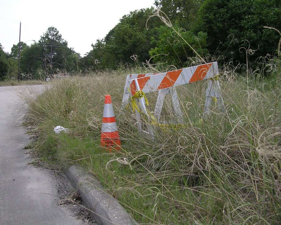"With tall grass and vegetation growing alongside many state highways, the state Department of Transportation plans a ramped-up mowing operation starting Saturday, Aug. 3, 2019. ""The Saturday mowing schedule is necessary to contend with excessive vegetation growth in the state-owned rights of way which negatively impacts roadway shoulders and intersectional sightlines,"" DOT announced Wednesday. Photo: File Photo / Houston Chronicle"