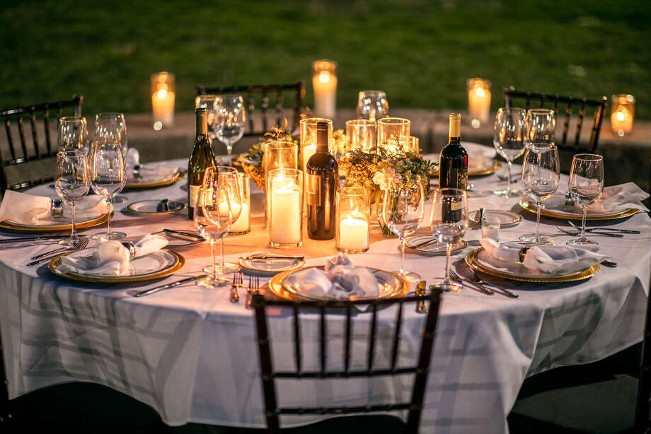San Antonio Parks Foundation and   Bohanan's Prime Steaks & Seafood Present  The Dinner Party in The Park  Featuring a Performance by Doc Watkins  Thursday, September 19th, 2019 | 7:00PM - 10:00PM  Happening in Travis Park, Downtown San Antonio! Photo: San Antonio Parks Foundation