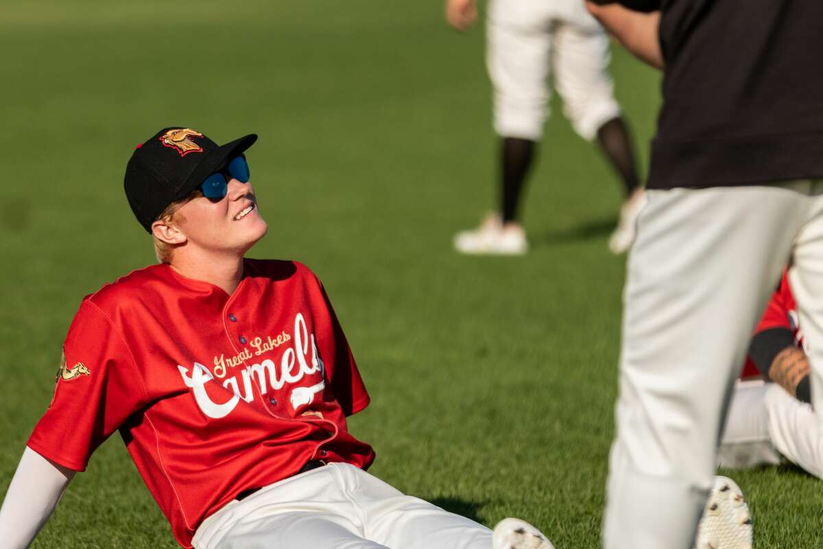 The Great Lakes Loons improved to 9-0 when wearing their