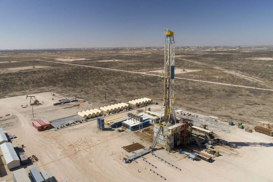 Reeves, which had been the Permian's most active county, has 54 rigs this week, down one. Midland's count also is down – to 42, a loss of two. Photo: Daniel Acker/Bloomberg
