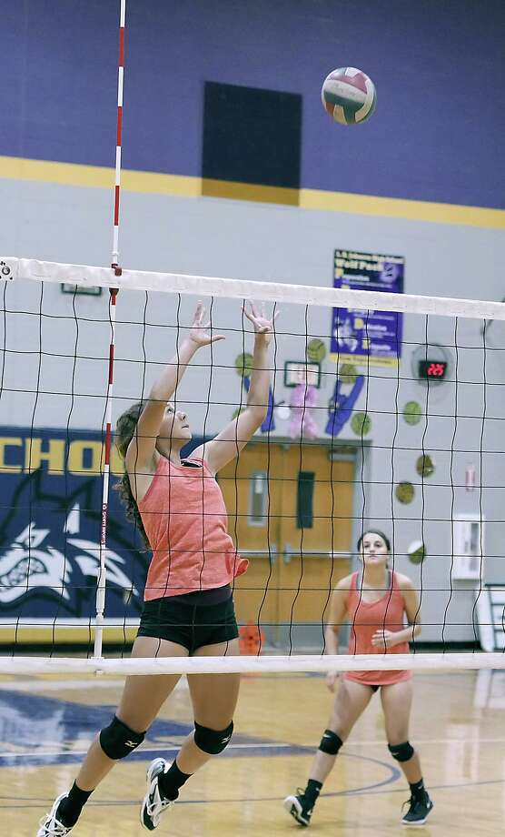 LBJ volleyball players, and the other eight teams across the city, took to the court on the first day of practice Thursday for the upcoming season. Photo: Cuate Santos /Laredo Morning Times / Laredo Morning Times