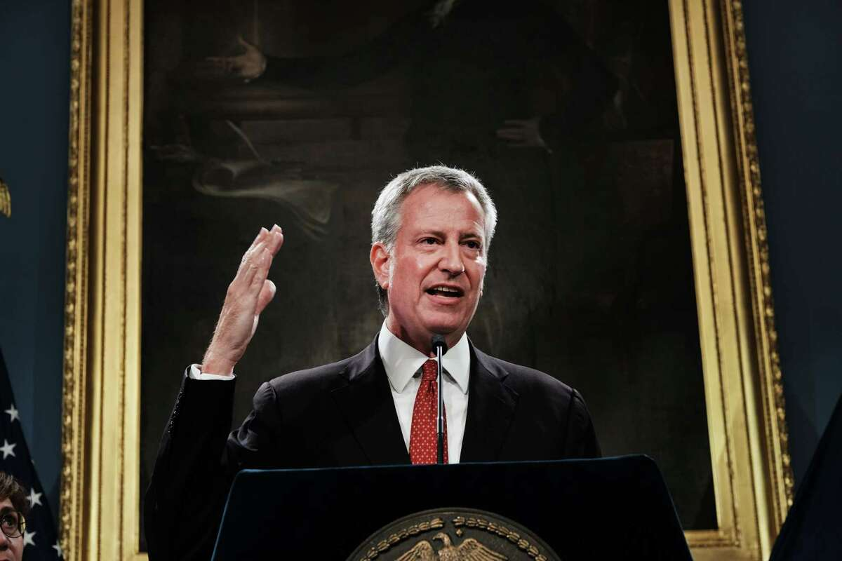 NEW YORK, NEW YORK - AUGUST 02: New York City Mayor Bill de Blasio speaks to the media following news that a judge has recommended that Daniel Pantaleo, the New York City police officer at the center of Eric Garner's July 2014 death case, should be fired from the police department on August 02, 2019 in New York City. It will now be up to the city's police commissioner whether Pantaleo will keep his job. (Photo by Spencer Platt/Getty Images)
