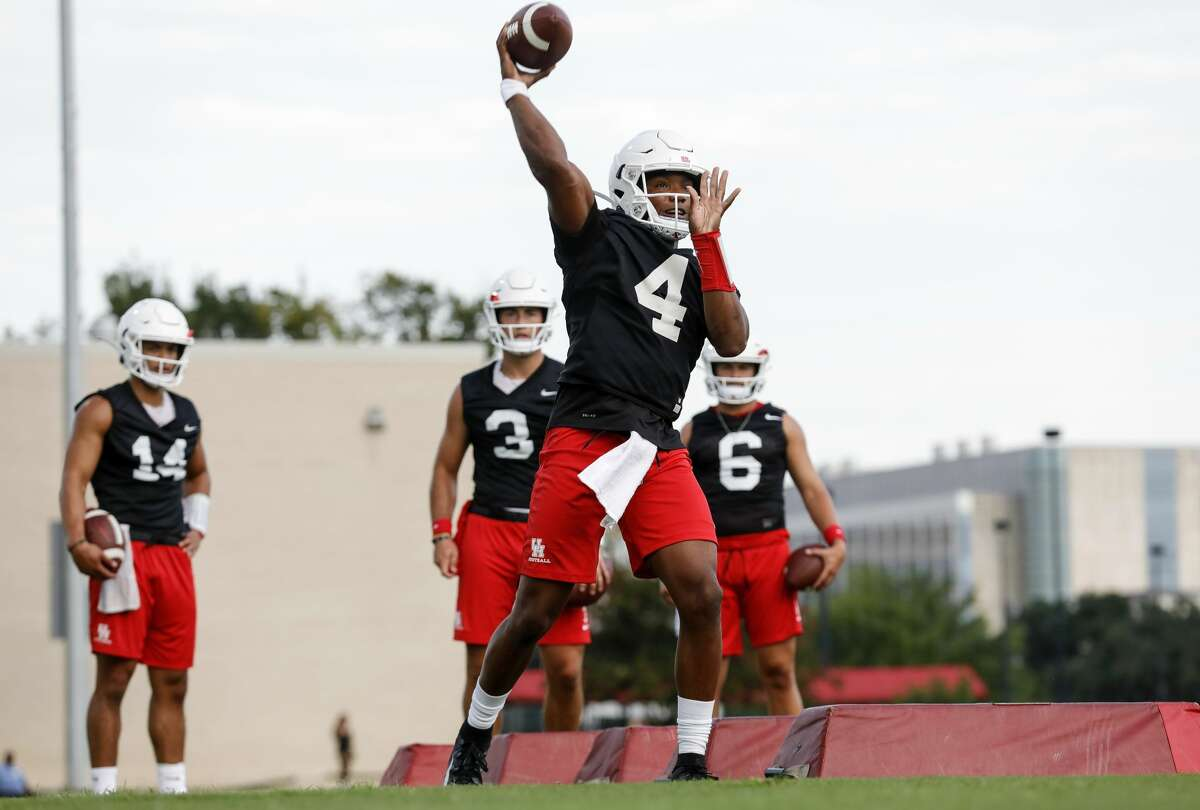D'Eriq King, Houston, senior QBManvel HS The best dual-threat quarterback in the country? Kirk Herbstreit is one believer. You don't have to look far for one of the best players in college football, regardless of position, and King's senior season will include even more offensive fireworks than usual with head coach Dana Holgorsen in the fold.