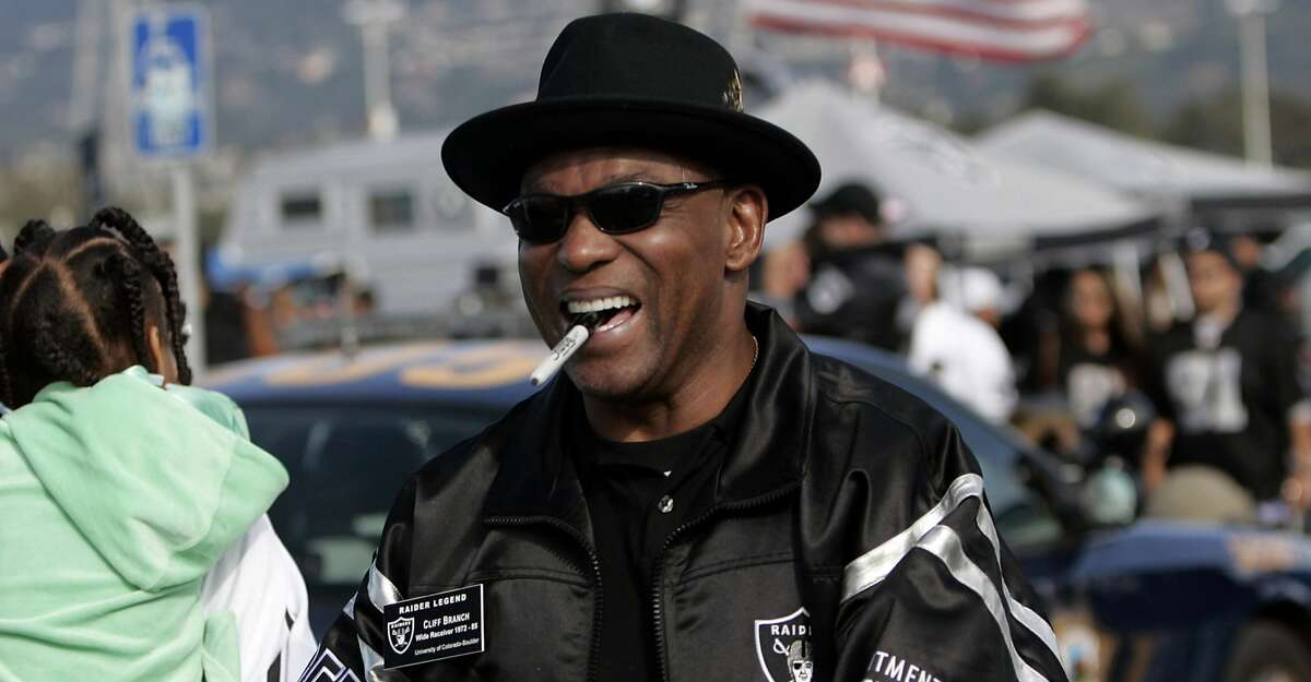 Oakland Raider legend Cliff Branch in the parking lot signing autographs before the game as the Denver Broncos defeated the Oakland Raiders by a score of 31 to 17 at McAfee Coliseum, Oakland, California, November 13, 2005. (Photo by Robert B. Stanton/NFLPhotoLibrary)