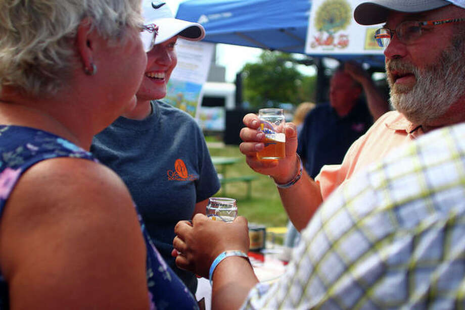 Jacksonville Main Street's Craft Brew Festival and Midwest Makers and Artisan Market went on in the downtown square Saturday. Photo: Rosalind Essig | Journal-Courier