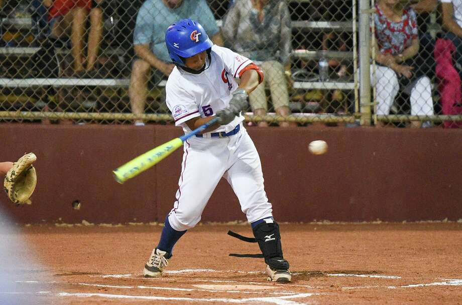 Sheng-En Wang was 2-for-3 with 5 RBIs at press time as Chinese-Taipei led 11-0 over Escondido, California. Photo: Danny Zaragoza /Laredo Morning Times