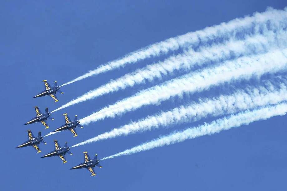 2 Blue Angels planes touch during midair practice run ...