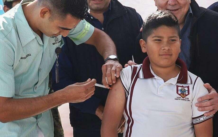 Cerca de 9.000 niños han sido vacunados contra el Virus del Papiloma Humano (VPH) en la vecina ciudad de Nuevo Laredo, México. Photo: Foto De Cortesía /Gobierno De Nuevo Laredo