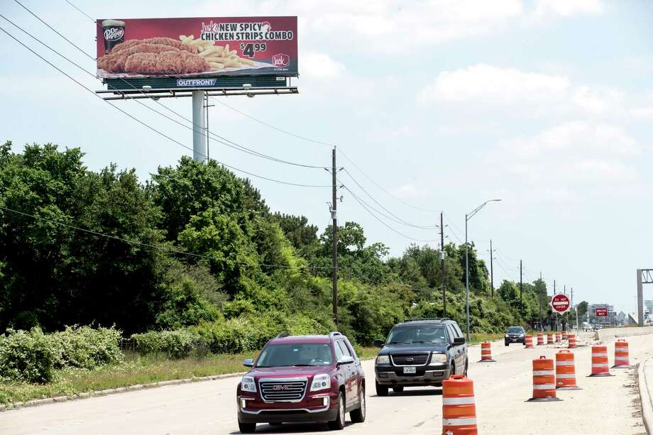 A billboard stands along U.S. 290 on Wednesday, May 15, 2019, in Houston. Since March 2017, five billboards have been erected at a height greater than the apprvoed 42.5 feet, including one along U.S. 290 north of Cypress. Lawmakers are tweaking the rules for billbaords, with an eye to trying to appease the sign industry and beautification advocates. Photo: Brett Coomer, Houston Chronicle / Staff Photographer / © 2019 Houston Chronicle