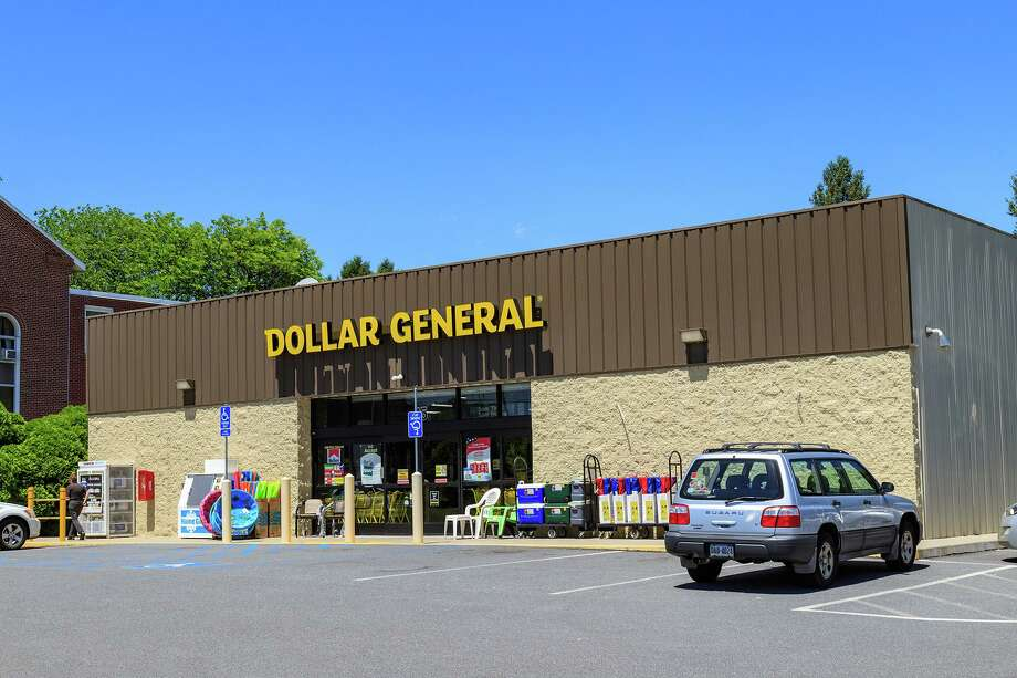 Dollar General is among the retail stores opening new stores nationwide. (George Sheldon/Dreamstime/TNS) Photo: George Sheldon, HO / TNS / Dreamstime