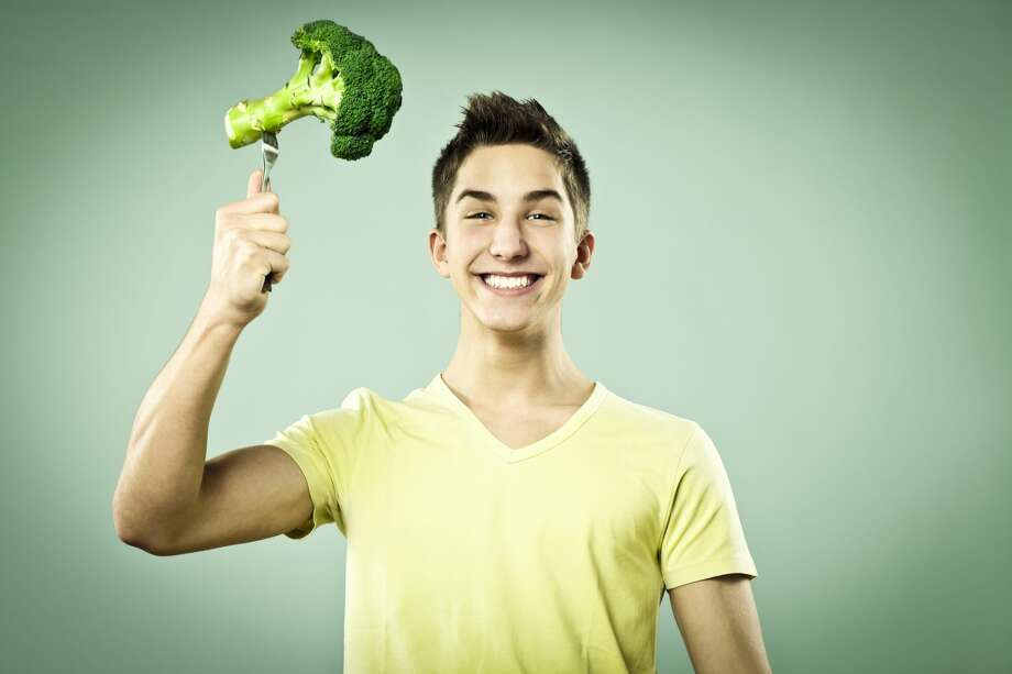A teenager wants to start eating vegan. Photo: Eva-Katalin/Getty Images