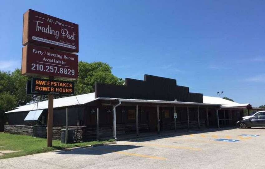Click ahead to view San Antonio restaurants that opened and closed in August 2019. Opened: Dee Willie's BBQ (third location) 7393 US 87Dee Willie's BBQ expanded into a third location in China Grove, sharing a space with Mr. Jim's Trading Post. Read more here.