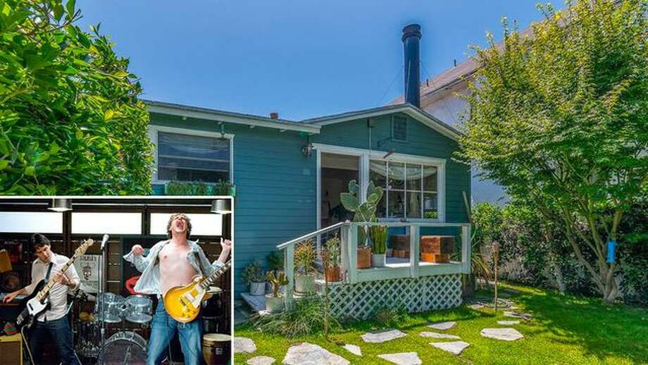 "The charming Venice, CA, bungalow where the movie ""I Love You, Man"" was filmed is for sale at $2.25 million. Photo: Realtor.com"