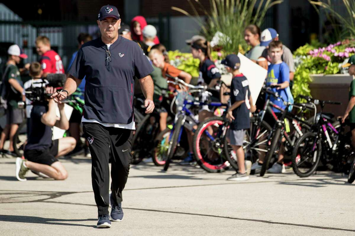 Houston Texans head coach Bill O'Brien walks to a joint training camp practice with the Green Bay Packers on Monday, Aug. 5, 2019, in Green Bay, Wis.