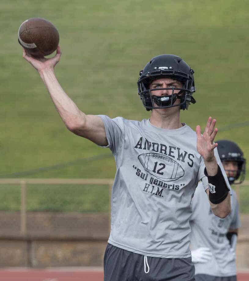 Andrews' quarterback Brett Leach looks to pass 08/06/19 during morning practice. Tim Fischer/Reporter-Telegram Photo: Tim Fischer/Midland Reporter-Telegram