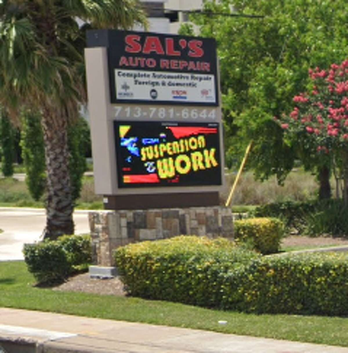 15. Sal's Westheimer Auto Service Address: 5407 Westheimer Road Stars: 4.5 Number of reviews: 92