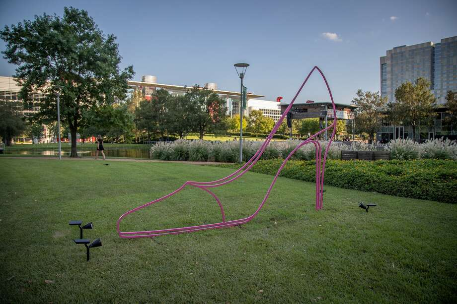 'The Shape of Things: Michael Craig-Martin at Discovery Green'includes six sculptures ranging from 8 to 12 feet high, depicting everyday objects such as an umbrella, a wheelbarrow, a light bulb, a shoe. Photo: CKP Group Sarah Nielsen / Discovery Green