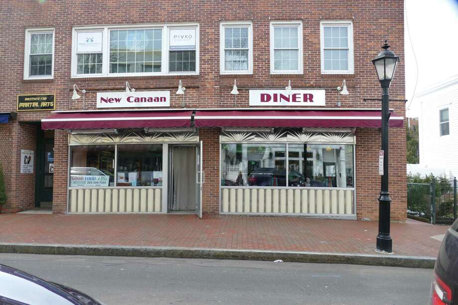 The New Canaan Diner at 18 Forest failed two health department inspections, but passed the third. Photo: Grace Duffield / New Canaan Advertiser / Connecticut Post