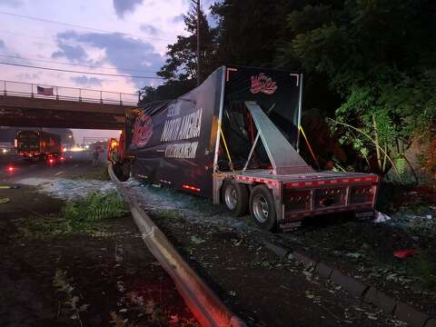 Crash of truck carrying plate glass caused big delays on I
