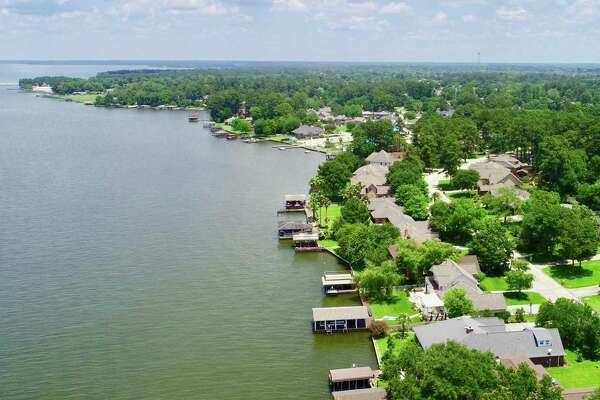 Homes on Lake Conroe, the fourth-largest lake real estate market in Texas, had an average asking price of about $656,000, according to LakeHomes.com 2019 Summer Lake Real Estate Market report. Compared to last summer, the number of listings rose 5 percent to 338 homes for sale on or surrounding Lake Conroe's 157 miles of shoreline.