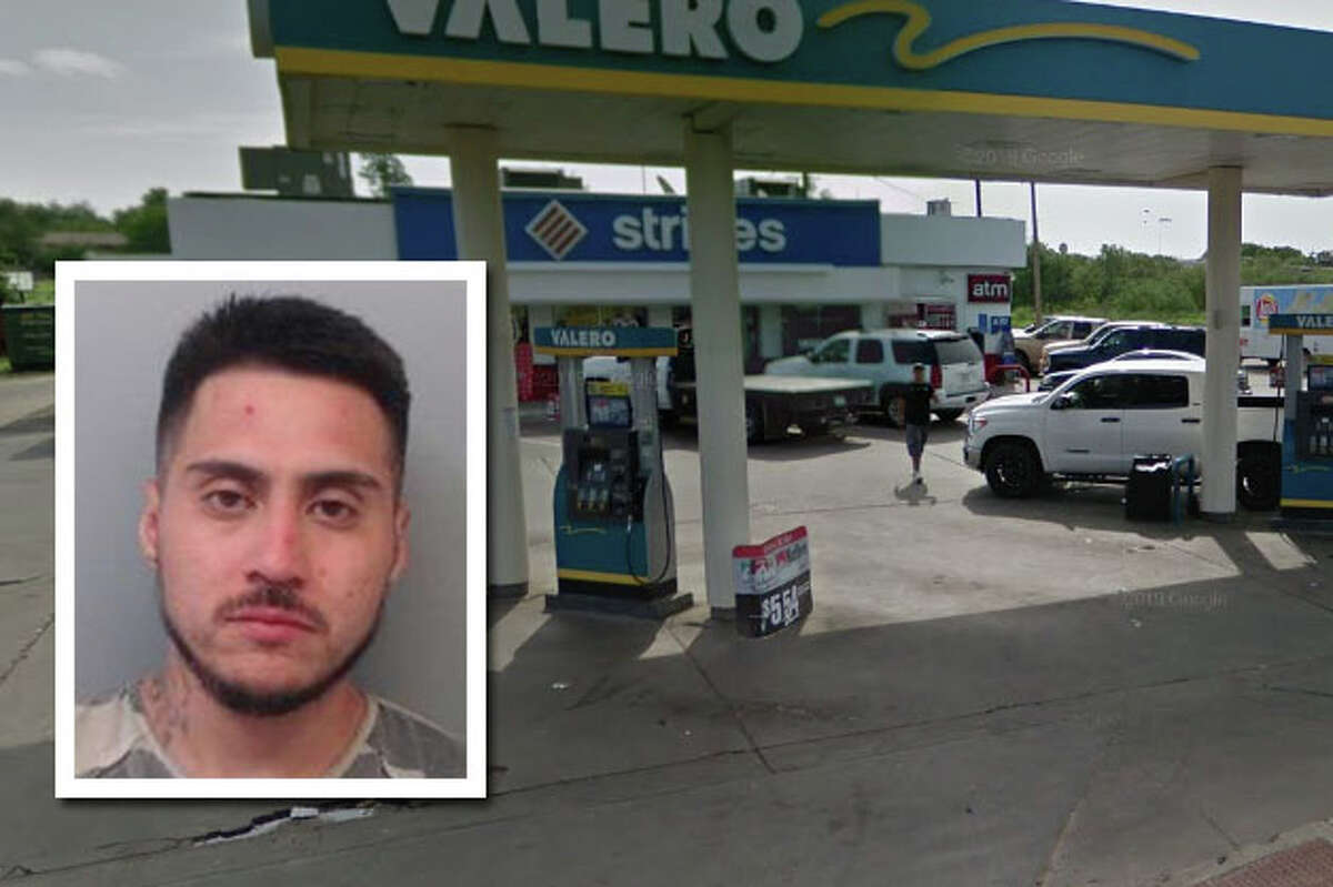 A man landed behind bars for robbing a south Laredo Stripes, authorities said.