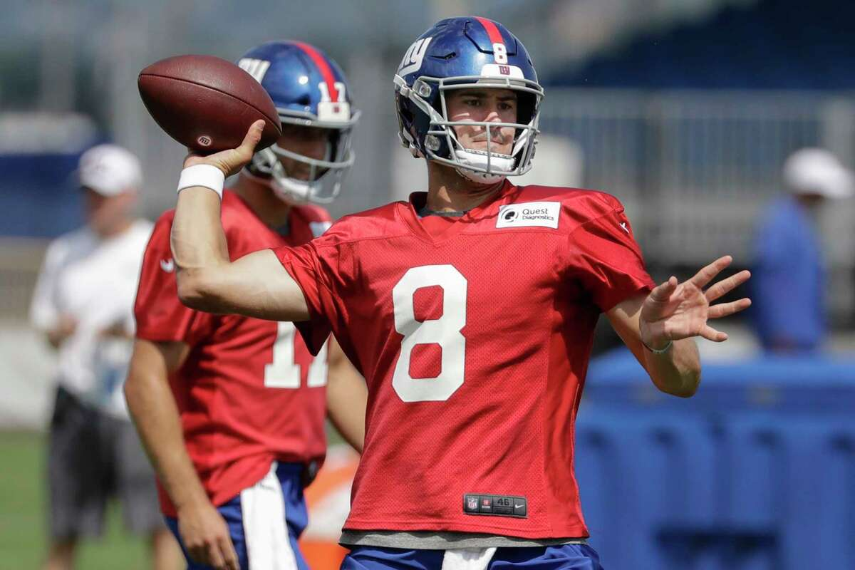 New York Giants' Daniel Jones throws a pass during drills at the NFL football team's training camp Thursday, Aug. 1, 2019, in East Rutherford, N.J. (AP Photo/Frank Franklin II)