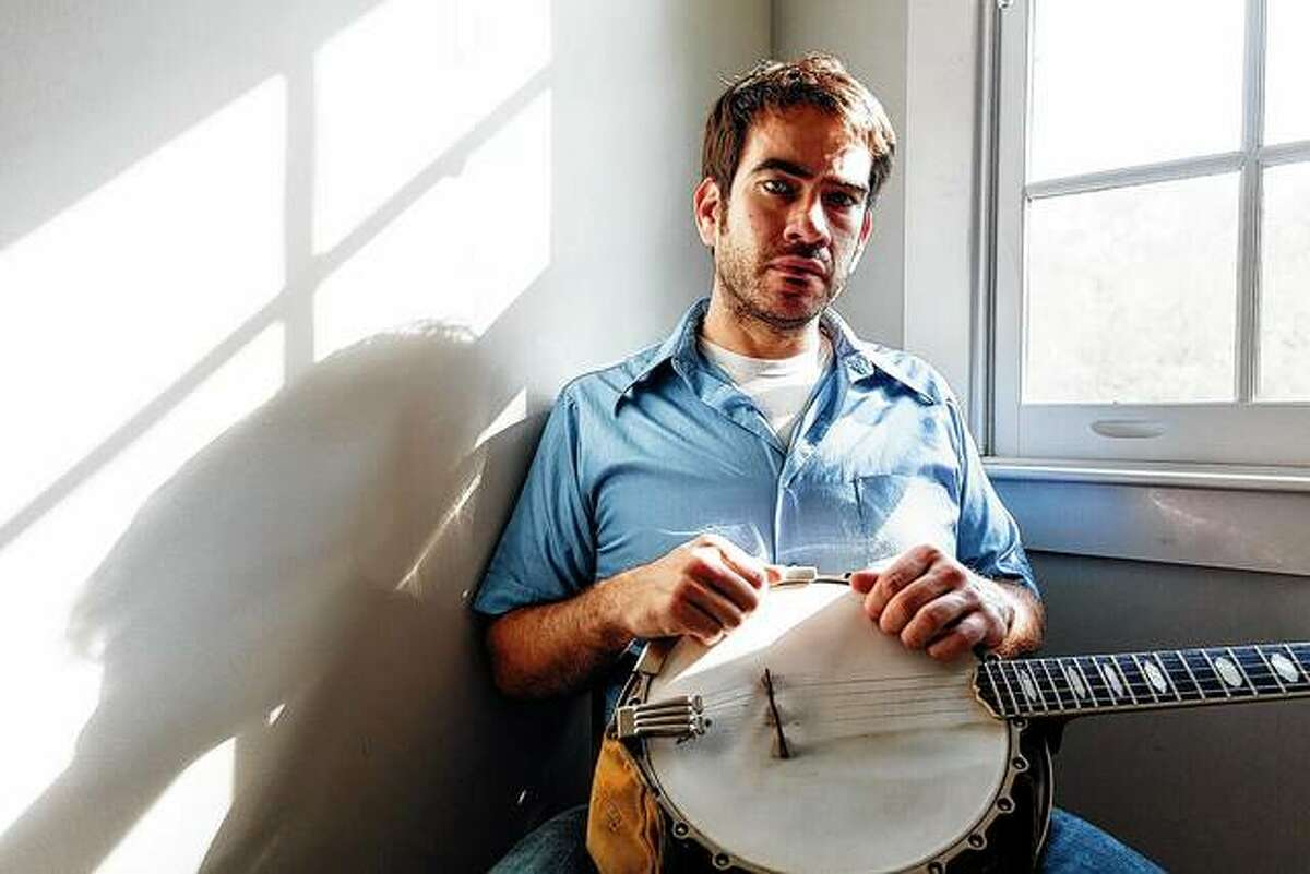 Banjo player and bluegrass musician Noam Pikelny will join Friday's lineup for an Illinois Humanities program looking at ways to bridge the divide between urban and rural communities in the state.