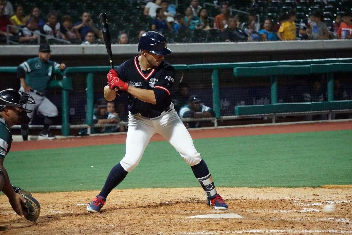 Tecolotes Dos Laredos third baseman Josh Rodriguez