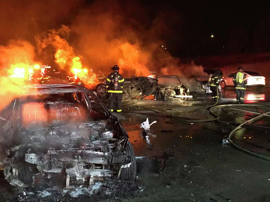 4 vehicles catch fire in deadly 101 wreck, hours of delays