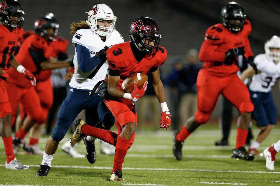 Clear Brook's Loronzo Thompson provides the Wolverines with a weapon rushing, receiving and in the return game. Photo: Tim Warner, Houston Chronicle / Contributor / ©Houston Chronicle