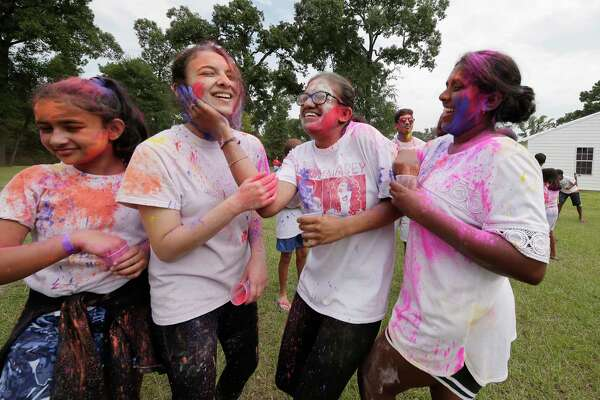 Hindu youth camp focuses on heritage, Indian culture