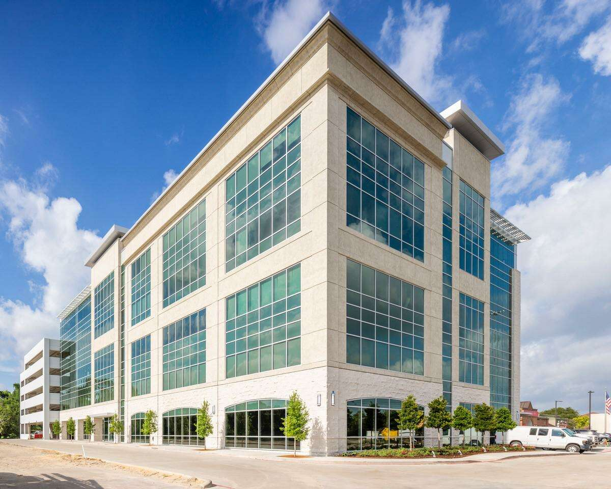 Hedwig Place is a five-story medical office building developed by Stream Realty Partners at 8731 Katy Freeway.