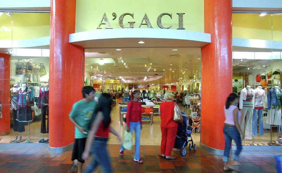 Shoppers pass A'Gaci in North Star Mall in 2005.