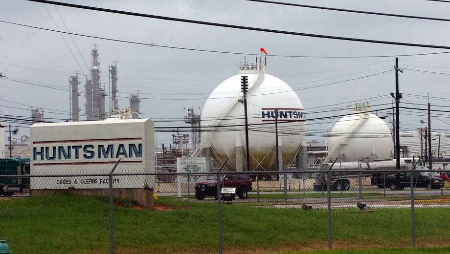 Eleven people were transported for emergency medical care after a sulphur dioxide leak at the Huntsman plant in Port Neches Friday. Pete Churton/The Enterprise Photo: Pete Churton / Pete Churton/Pete Churton / Beaumont