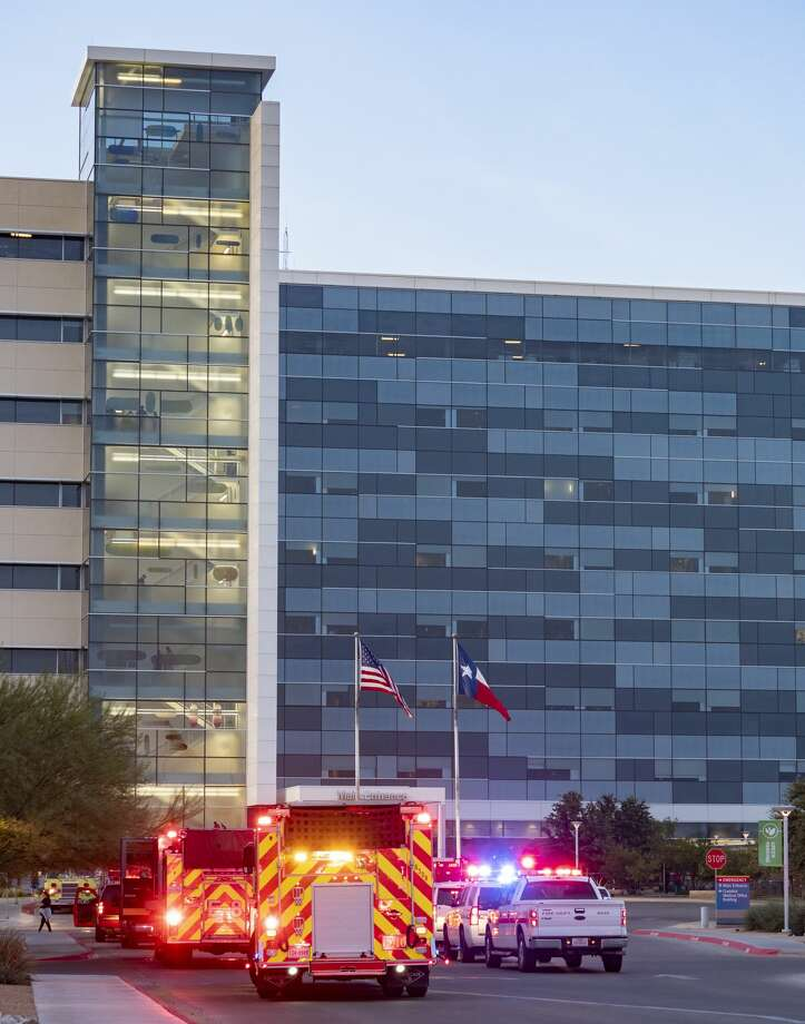 Midland fire and police respond to Midland Memorial Hospital 08/09/19 morning after a fire on one of the rooftops. Patients and staff were moved to the lower parking structure at the hospital. Tim Fischer/Reporter-Telegram Photo: Tim Fischer/Midland Reporter-Telegram