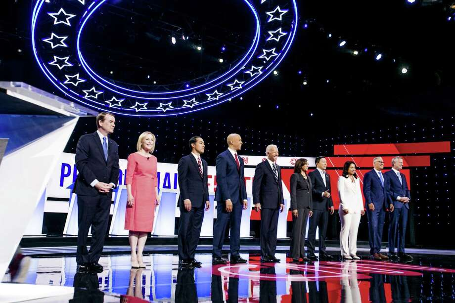 Democratic presidential candidates stand on stage during the presidential candidate debate in Detroit on July 31, 2019. MUST CREDIT: Bloomberg photo by Anthony Lanzilote. Photo: Anthony Lanzilote, Bloomberg / Bloomberg / © 2019 Bloomberg Finance LP