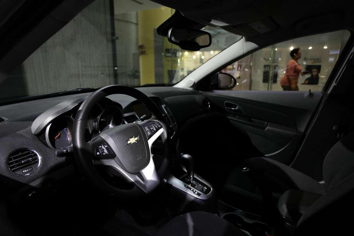 Defective steering mechanism: 2