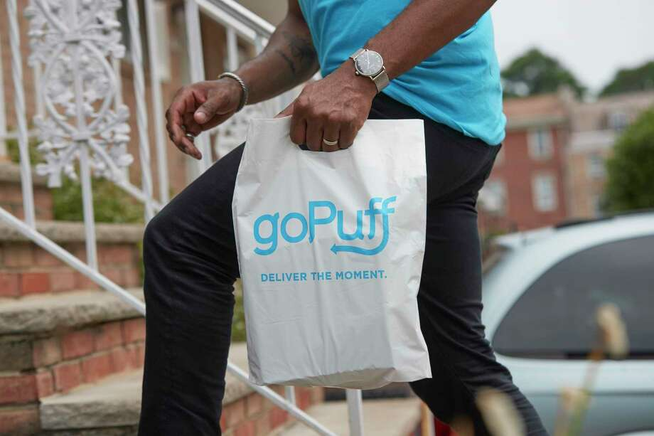 GoPuff owns facilities in the cities where they serve, and keeps inventory of their own stock, ensuring a fast delivery time. Photo: GoPuff / © DOM SAVINI