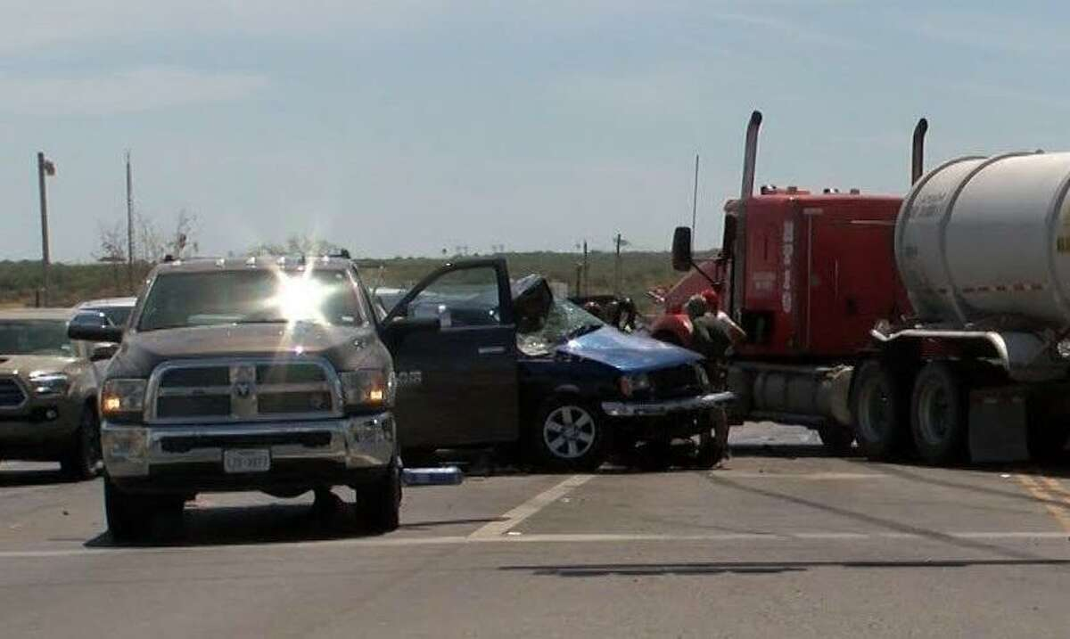 A four-vehicle crash left one man dead on Friday morning near the intersection of Texas 359 and Old Milwaukee Road, according to Laredo police. LPD's crash team is investigating the case.