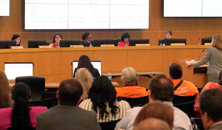 In this August file photo, from left, Houston ISD Trustee Anne Sung, Trustee Elizabeth Santos, Interim Superintendent Grenita Lathan, Board President Diana Dávila and Trustee Holly Maria Flynn Vilaseca are shown during a school board meeting. Photo: Melissa Phillip, Houston Chronicle / Staff Photographer / © 2019 Houston Chronicle