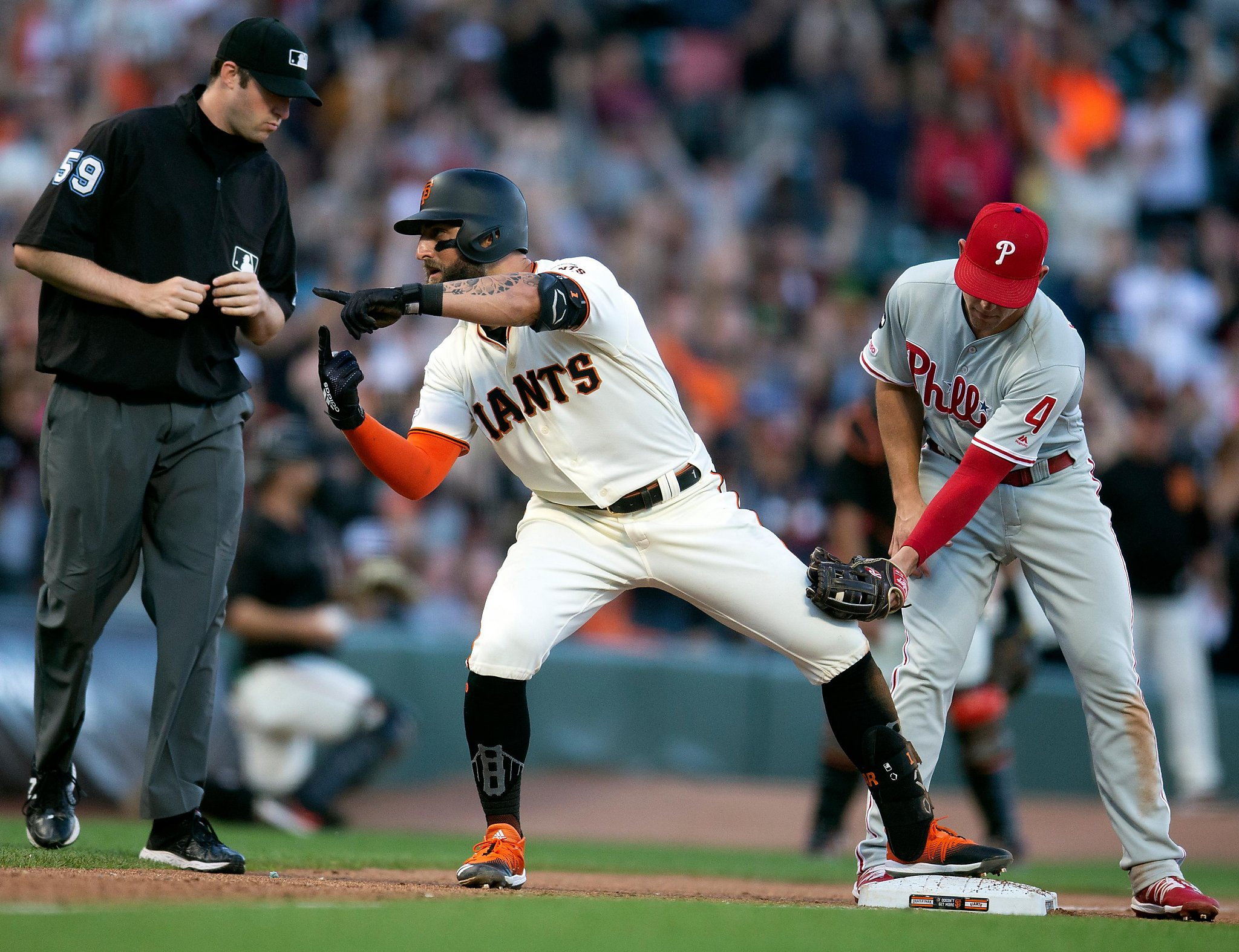Giants take game, series from Phillies as Will Smith stars on the