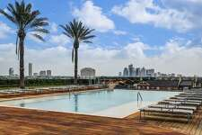 8.2727 Kirby Drive 15J, HoustonSold price range: $1,425,001 - $1,638,0003,257sq. feet2727 Kirby building amenities: Private and semi-private elevators, a concierge service, five-level secure parking, a valet service, private balconies, a heated pool, a putting green and a golf simulator, two guest suites and a private park.