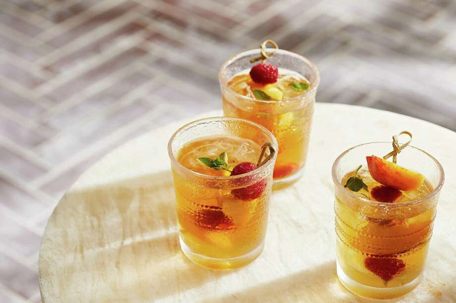 Peach White Sangria Photo: Tom McCorkle, For The Washington Post / For The Washington Post / Tom McCorkle Images LLC