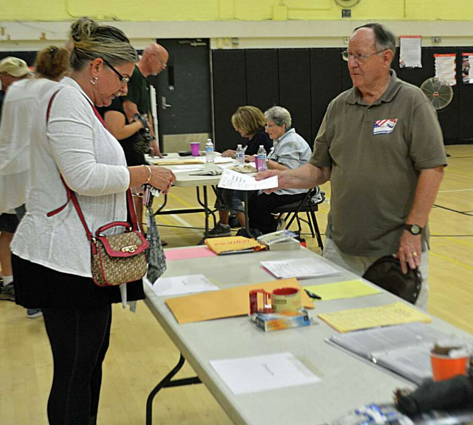 Voters take part in the 2018 primary election in Middletown, choosing their preferred candidates for state offices. Photo: Hearst Connecticut Media File Photo