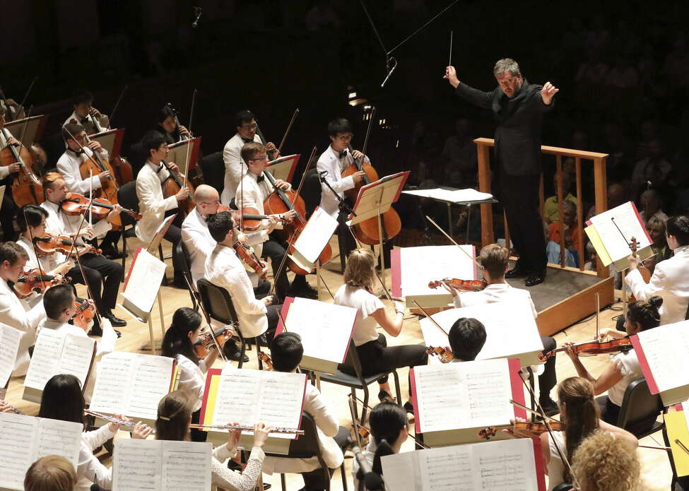Thomas Adès leads the Tanglewood Music Center Orchestra in Poul Ruders' Fifth Symphony at the Tanglewood Festival of Contemporary Music Monday night in Lenox, Mass.