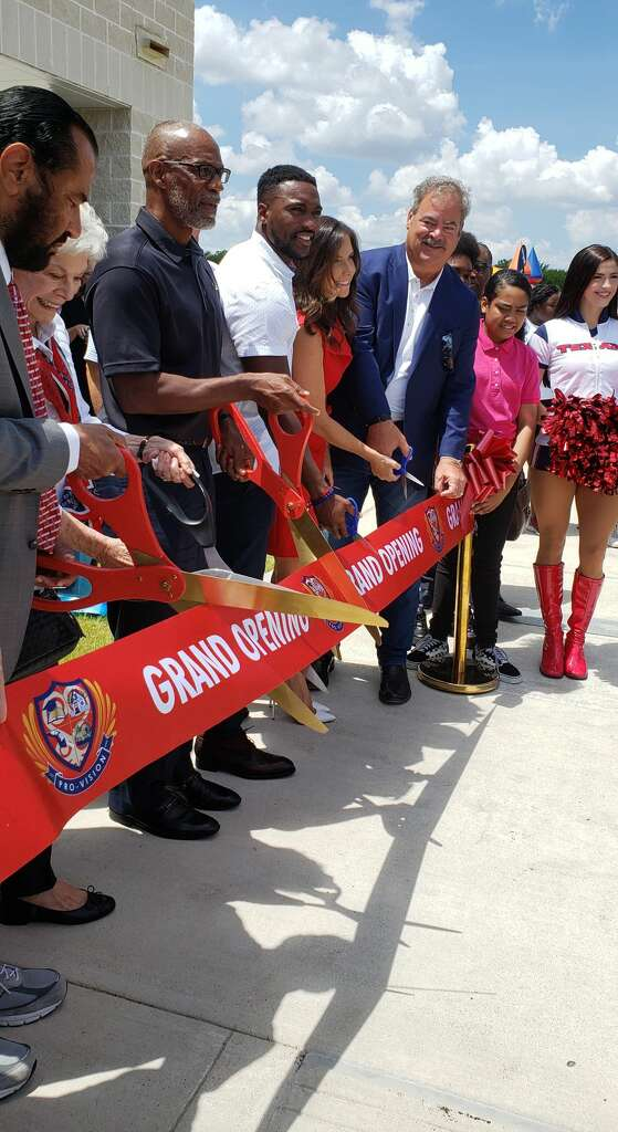 <p>Houston Texans co-founder and senior chairperson Janice McNair and chairman Cal McNair cut the ribbon at Pro-Vision Inc.</p>